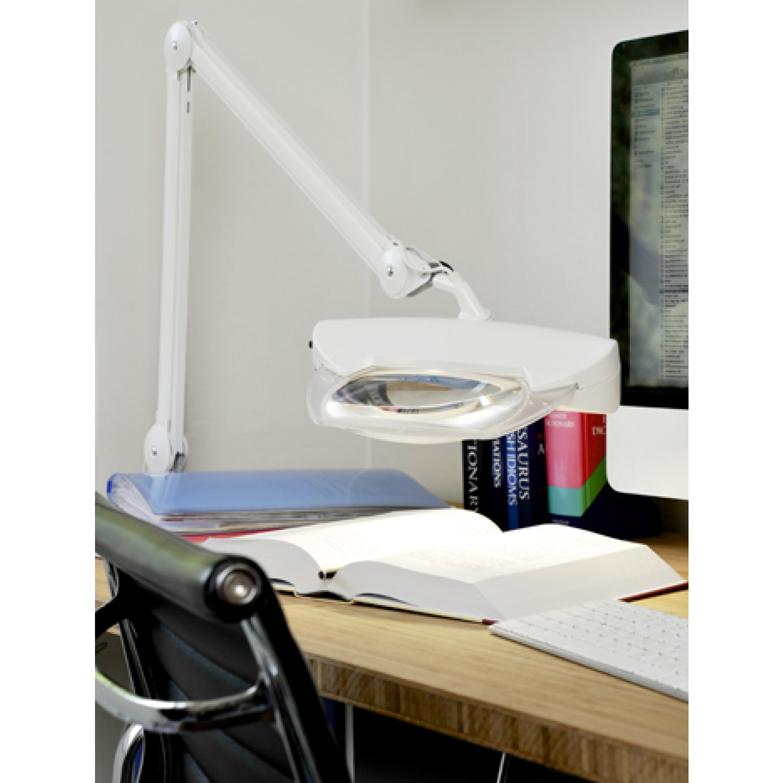 Luxo Magnifique Desk View